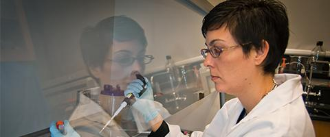 Photo of Dr. Jennifer Lucero in the lab