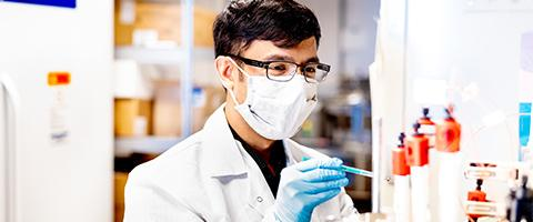 Aashish Manglik, MD, PhD, in the lab